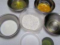 抹茶のシフォンケーキの材料