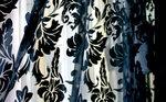 濃色オパールプリントのカーテン 松装ショールームにて