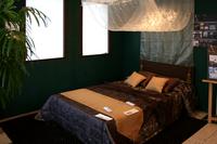 カーテン生地を用いたベッドカバーなど
